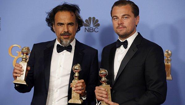 Алехандро Иньярриту и Леонардо Ди Каприо с Золотым глобусом