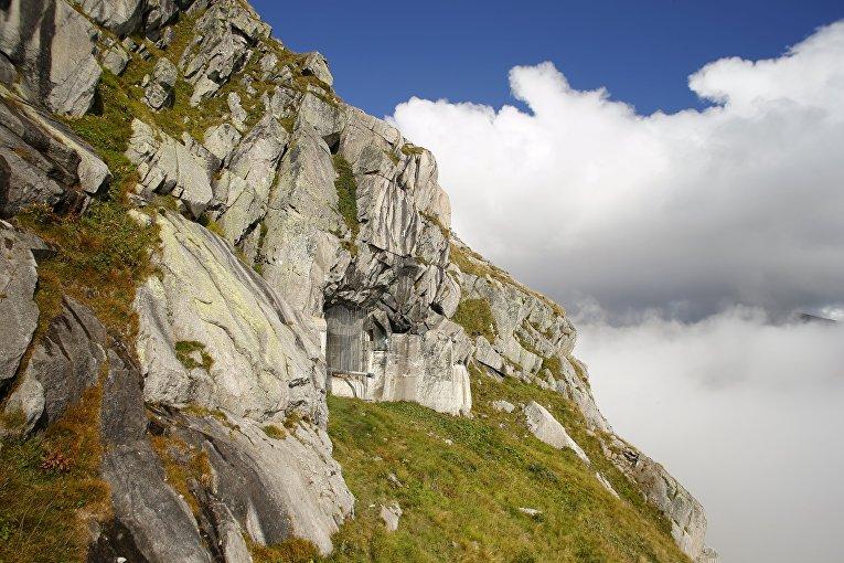 Бывший армейский бункер в Сен-Готард, Швейцария