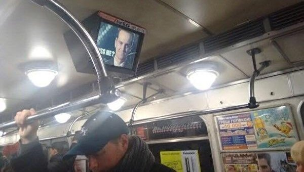 Монитор в вагоне метро Киева