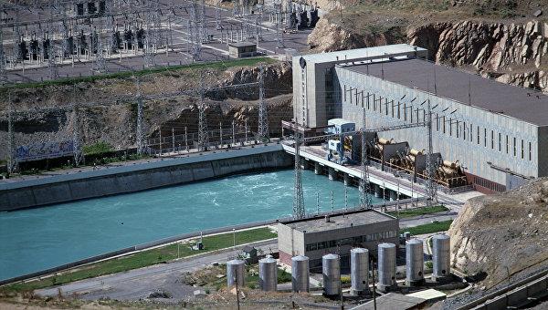 Чарвакская ГЭС в Узбекистане. Архивное фото