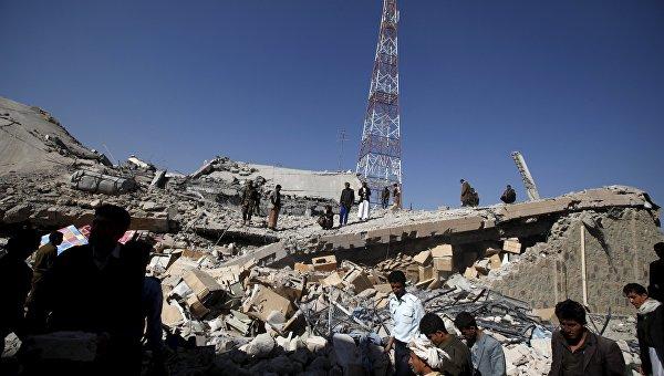 Последствия авиаудара по столице Йемена Сане, 18 января 2016