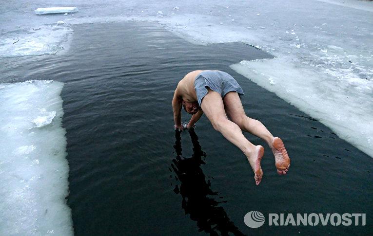 Крещенские купания в Донецке