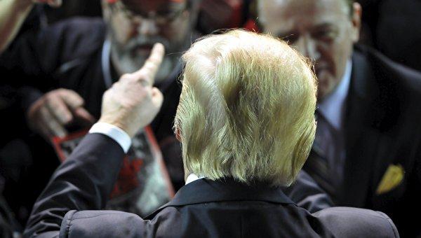 Дональд Трамп на митинге