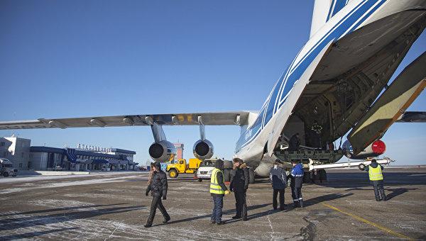Космический аппарат Аист-2Д и блок выведения Волга доставлены в аэропорт Благовещенска