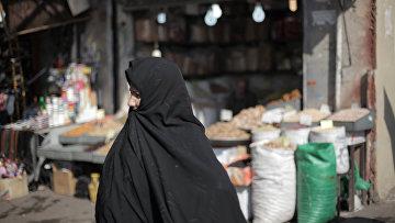 Женщина на рынке в Тегеране. Иран.