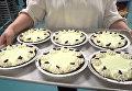 Жуки вместо вишенок: канадским сладкоежкам предложили десерты с насекомыми