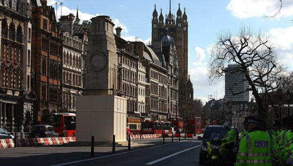 Вид на здание парламента в Лондоне, архивное фото