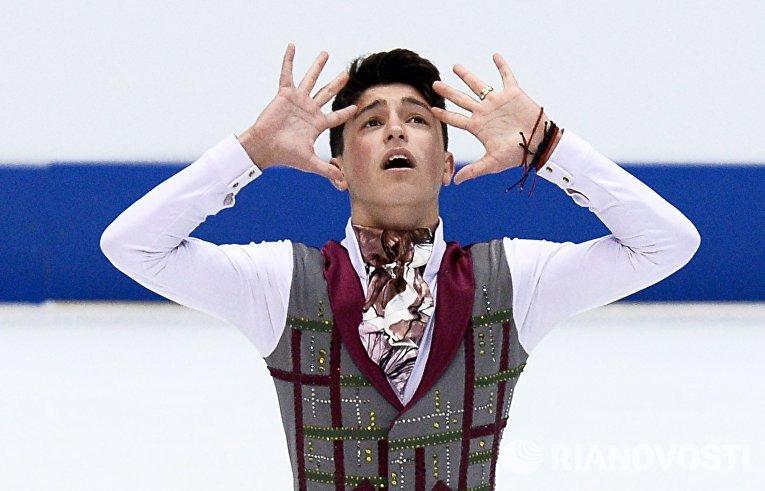 Даниэль Самохин (Израиль) выступает в произвольной программе мужского одиночного катания на чемпионате Европы по фигурному катанию в Братиславе