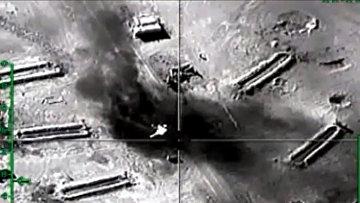 Уничтожение российской авиацией открытых нефтехранилищ ИГ (Исламское государство) в провинции Хама. Архивное фото