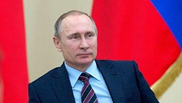 Президент России Владимир Путин во время встречи с активом НП Клуб лидеров по продвижению инициатив бизнеса в резиденции Ново-Огарево