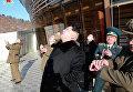 "Лидер КНДР Ким Чен Ын наблюдает за запуском ракеты ""Кванмэнсон"" (""Яркая звезда"")"