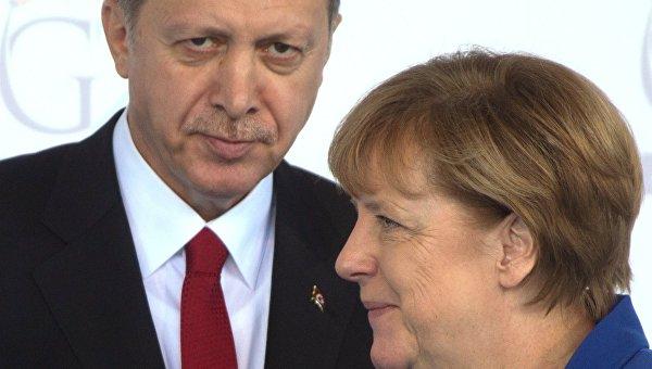 Президент Турции Тайип Эрдоган и Федеральный канцлер Германии Ангела Меркель. Архивное фото