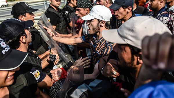 Столкновения между мигрантами и полицией в городе Эдрин. Архивное фото
