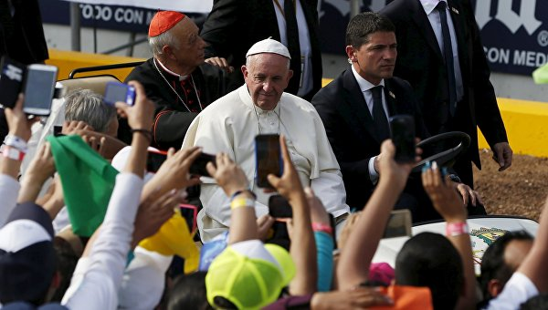 Папа римский призвал попросить прощения у индейских народов Мексики