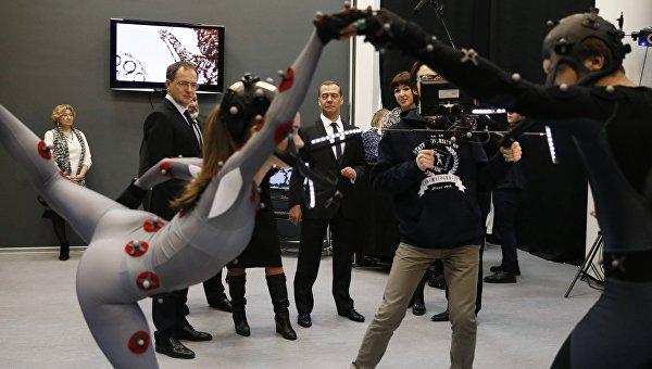 Председатель правительства РФ Дмитрий Медведев во время посещения Всероссийского государственного института кинематографии имени А.С. Герасимова.