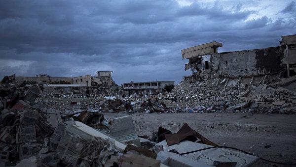 Разрушенные казармы Баб-аль-Азизия в Триполи, Ливия. 2013 год
