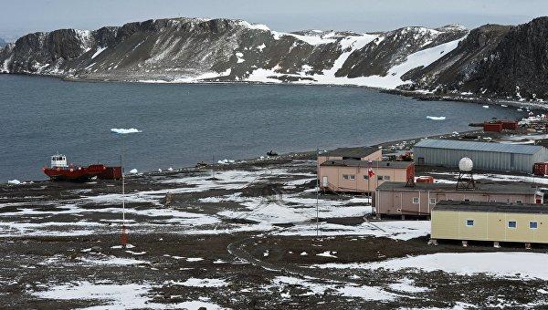 Станция. Антарктида. Архивное фото