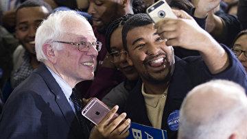 Кандидат в президенты США демократ Берни Сандерс. 16 февраля 2016 год