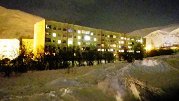 Жилые дома в городе Кировск Мурманской области, на которые сошла лавина. 19 февраля 2016 год