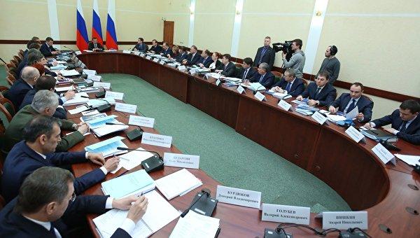 Председатель правительства РФ Дмитрий Медведев проводит заседание правительственной комиссии по вопросам социально-экономического развития Калининградской области
