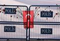 Цветы в память о жертвах теракта в Анкаре