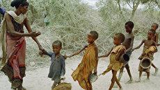Голодные дети Сомали. Архивное фото