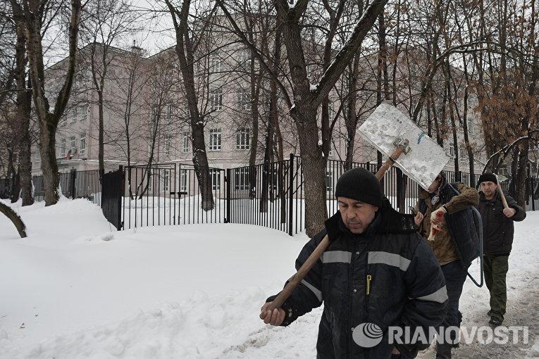 Уборка снега в Москве