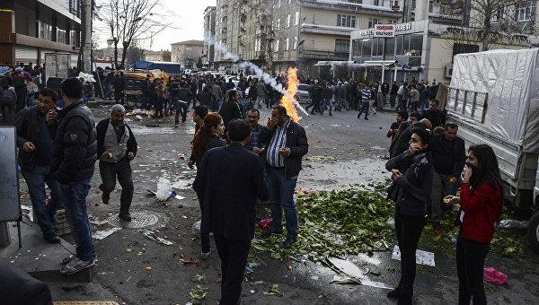 Протесты против комендантского часа в Турции. Архивное фото