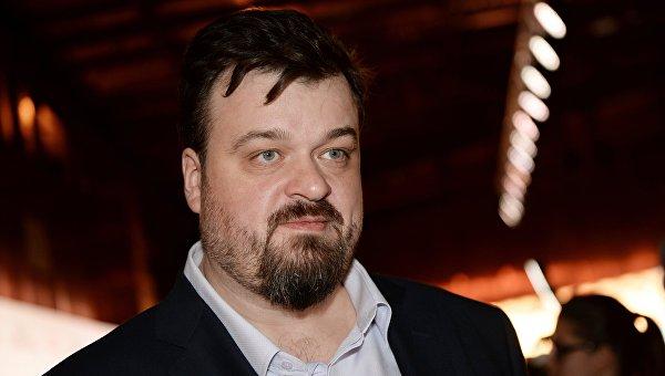 Спортивный комментатор, телеведущий Василий Уткин