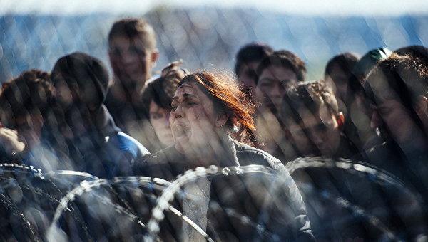 Беженцы на границе Греции и Македонии. Архивное фото