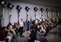 Показ коллекции Paco Rabanne во время недели моды прет-а-порте в Париже. Март 2016