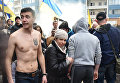 Участники акций в защиту Н. Савченко у Генерального консульства Российской Федерации в Одессе