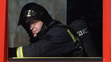 Сотрудник пожарно-спасательного подразделения МЧС России. Архивное фото