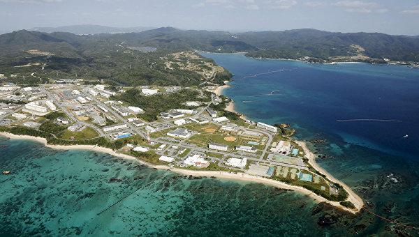 Вид на поселок Хэноко на острове Окинава неподалеку от американской военной базы Кемп-Шваб. Архивное фото