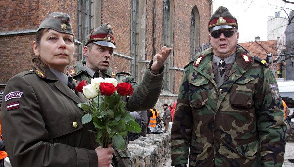 Участники шествия латышского легиона Ваффен СС в Риге Архивное фото
