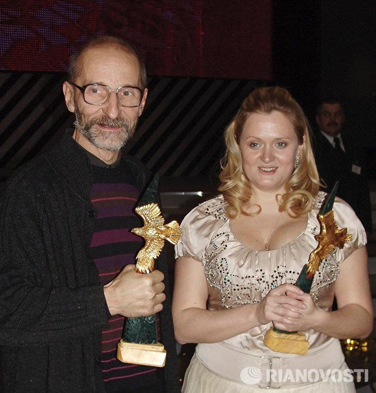 Лучшие актер и актриса 2006-го года Петр Мамонов (Остров) и Анна Михалкова (Связь)