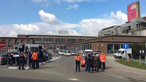 Оцепление у аэропорта в Брюсселе, Бельгия. 22 марта 2016
