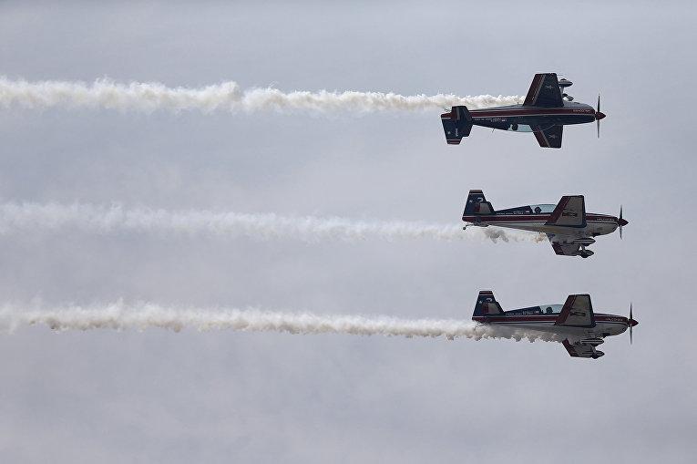 ВВС Чили во время выступления на международном аэрокосмическом салоне Латинской Америки FIDAE в аэропорту Сантьяго
