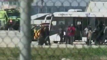 Видео выхода пассажиров из захваченного самолета