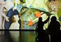 """Посетители на мультимедийной выставке """"Босх. Ожившие видения"""" в Центре дизайна ARTPLAY"""