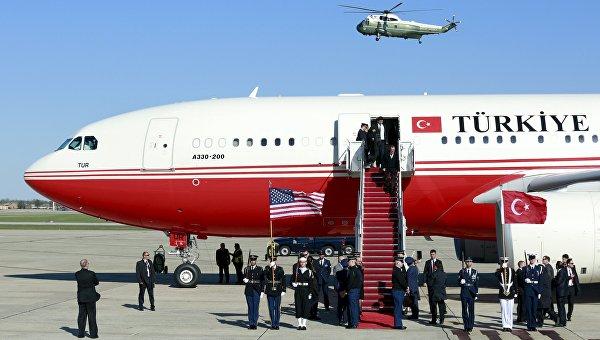 Самолет президента Турции Реджепа Тайипа Эрдогана прибывшего в США