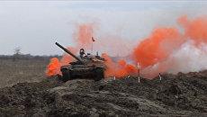 Экипажи Т-72 и Т-90А уничтожили цели на Танковом биатлоне-2016