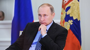 Президент РФ В. Путин провел телемост с представителями регионов, подвергшихся затоплению из-за паводка