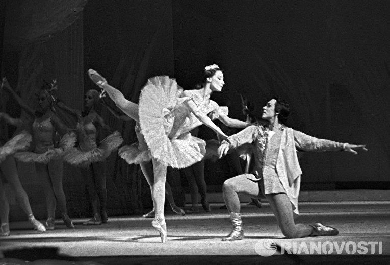 Майя Плисецкая и Николай Фадеечев в балете Спящая красавица