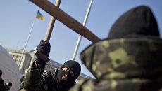 Активисты Правого сектора на улице в Киеве, Украина. Архивное фото