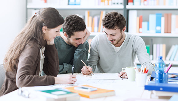 Средний балл ЕГЭ для поступления в университеты РФ составил более 66 баллов