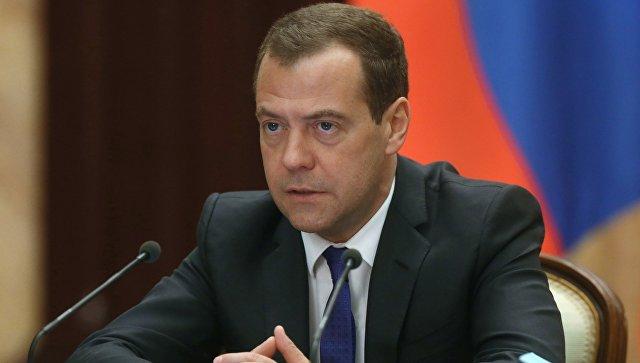 Д. Медведев продлил продовольственного эмбарго для стран Запада