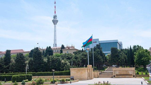Телебашня и здание государственной телекомпании в Баку