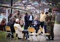 Мужчины в городе Степанакерте Непризнанной Нагорно-Карабахской Республики