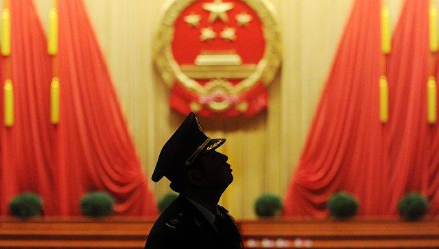 Офицер Народной освободительной армии Китая во время заседания Собрания Народных Представителей в Пекине. Архивное фото